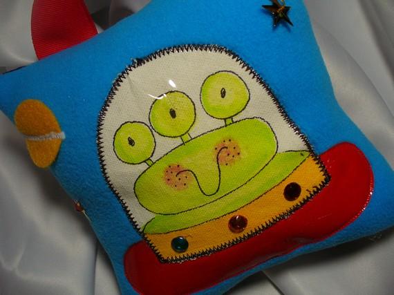 Boys Tooth Fairy Pillow Alien-boys tooth fairy pillow, hair bows, hair bow holders, tutu, tooth fairy pillows, headbands, pendants, charms, hairbow, hairbow holder, barrette holder, personalize hair bow holder, hairbows, ballerina bow holder, ballet bow holder, animal print bow holder, tooth pillow, party hats, birthday party hat, 1st birthday party hat, 1st birthday